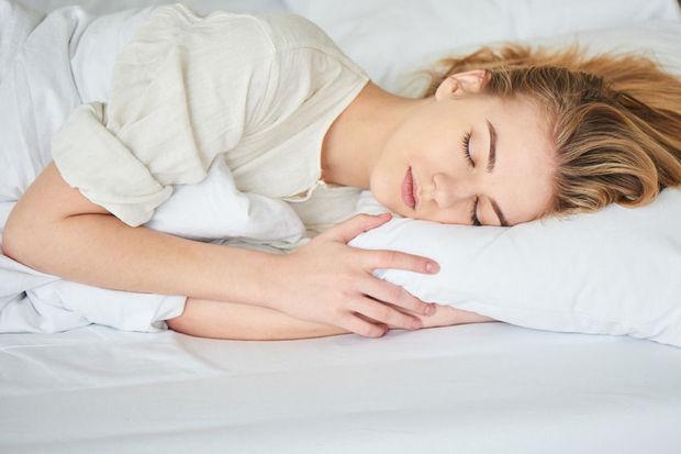 10 tips om 39 s nachts beter te slapen gezondheid plusmagazine. Black Bedroom Furniture Sets. Home Design Ideas