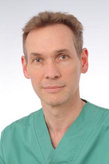 Prof. dr. Peter Sinnaeve, kliniekhoofd hart- en vaatziekten UZ Leuven