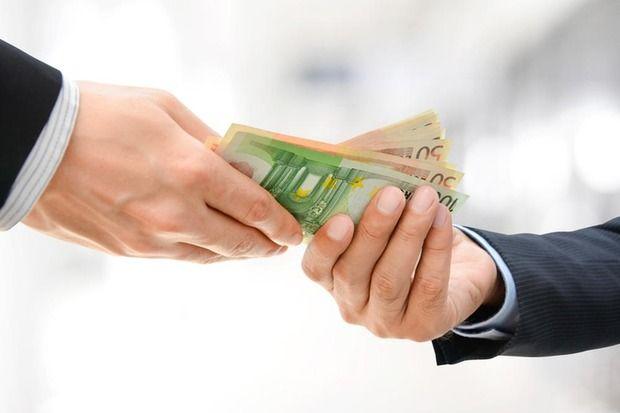 3.000 Euro