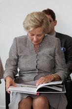 Koningin Paola opent Vlaamsoogpunt van Blindenzorg Licht en Liefde