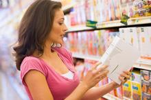 Helft consumenten vindt etiketten op voedingsproducten niet goed leesbaar