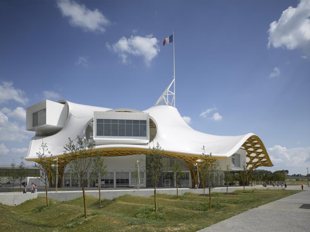 Centre Pompidou-Metz., Roland Halbe / © Shigeru Ban Architects Europe et Jean de Gastines Architectes, avec Philip Gumuchdjian pour la conception du projet lauréat du concours / Metz Métropole / Centre Pompidou-Metz